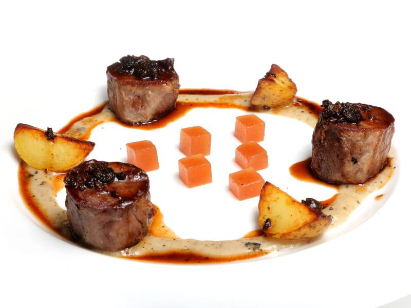 02-CELEBRIS_solomillo-iberico-con-salsa-de-colmenillas
