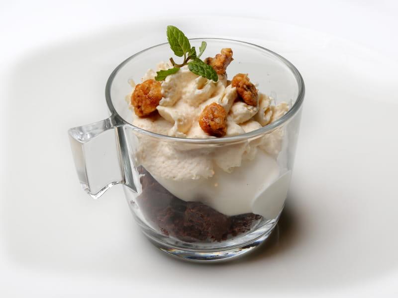 03-LA-GRANADA_bizcocho-de-chocolate-y-helado-de-conguito
