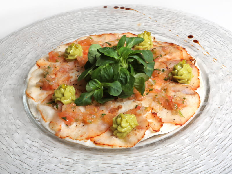03-MELI-MELO_pizza-carpaccio-de-rape-Alangostado