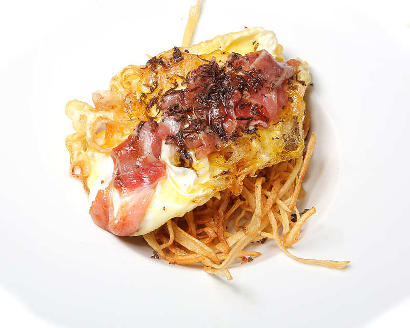 107-CALANOVA-huevos-de-corral-y-carpaccio-de-ventresca-de-atun-1