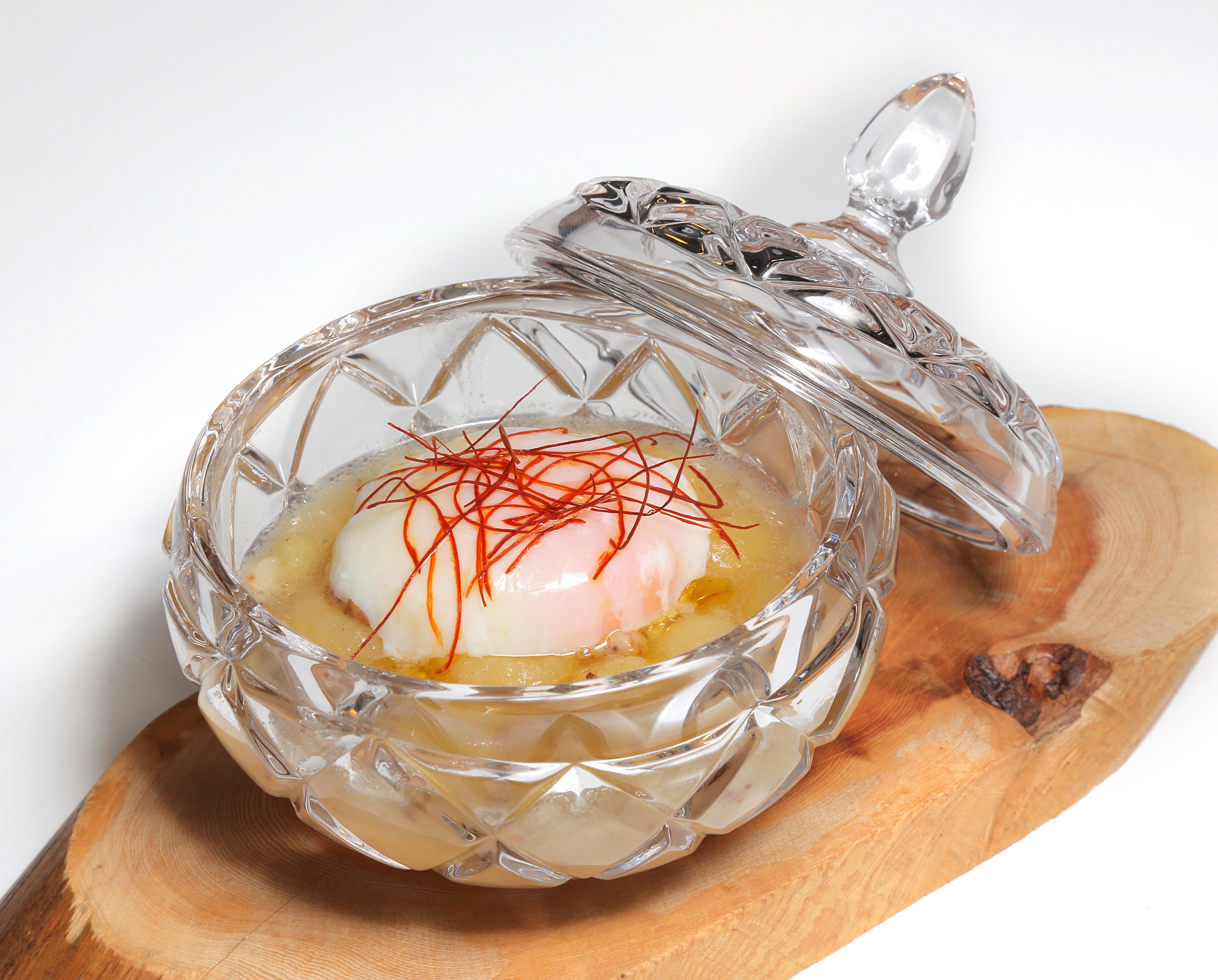 36-LA-CUNA-DEL-CIERZO_-Guiso-de-patata-con-huevo-poch®-y-AOVE-del-BA